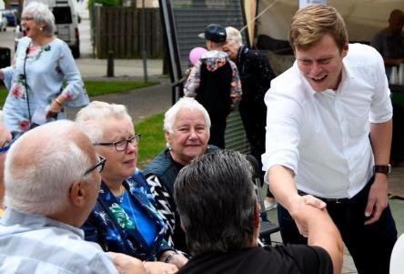 Wethouder Rens Evers bezocht eerder al andere wijken. Op 16 mei bezoekt hij Hoogvonderen en Donderberg.